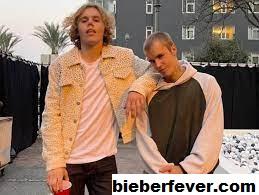 The Kid Laroi dan Justin Bieber Membuat Penggemar Liar Dengan Perbedaan Tinggi Mereka