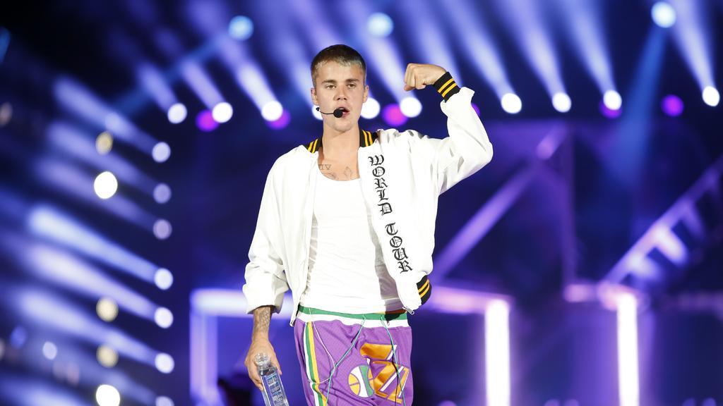 Bieber Fever Official Website – Videos, Photos, Tour Dates
